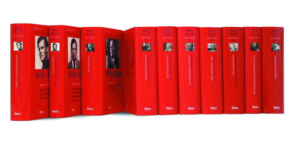 Die zehn Bände der Berliner Ausgabe, Foto: Dietz-Verlag