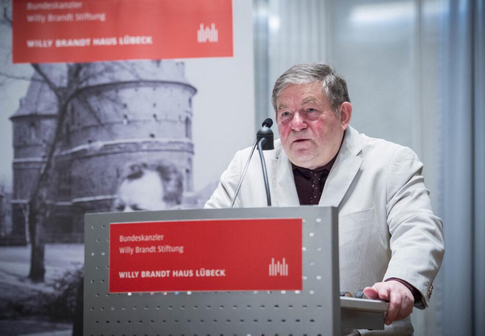 Manfred Flügge bei seinem Vortrag